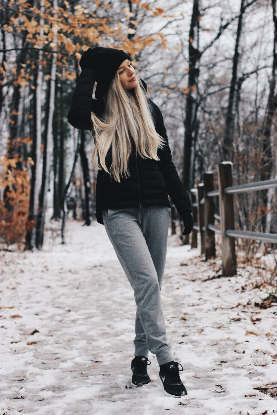 Casual Cozy Winter Outfit, Nike Thea, Alex Gaboury