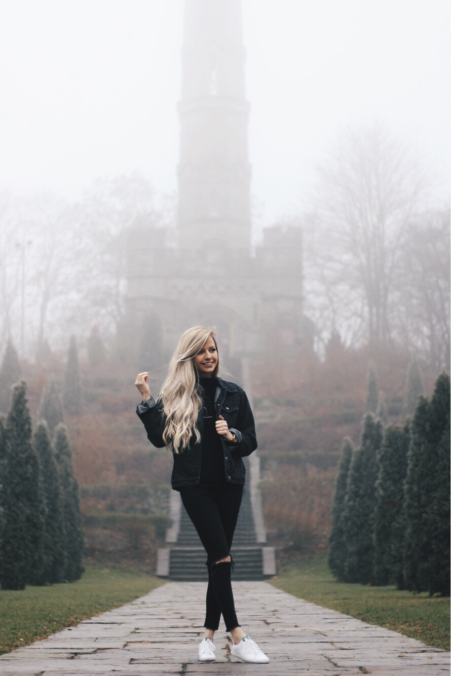 Casual Fall Outfit, All black, Alex Gaboury