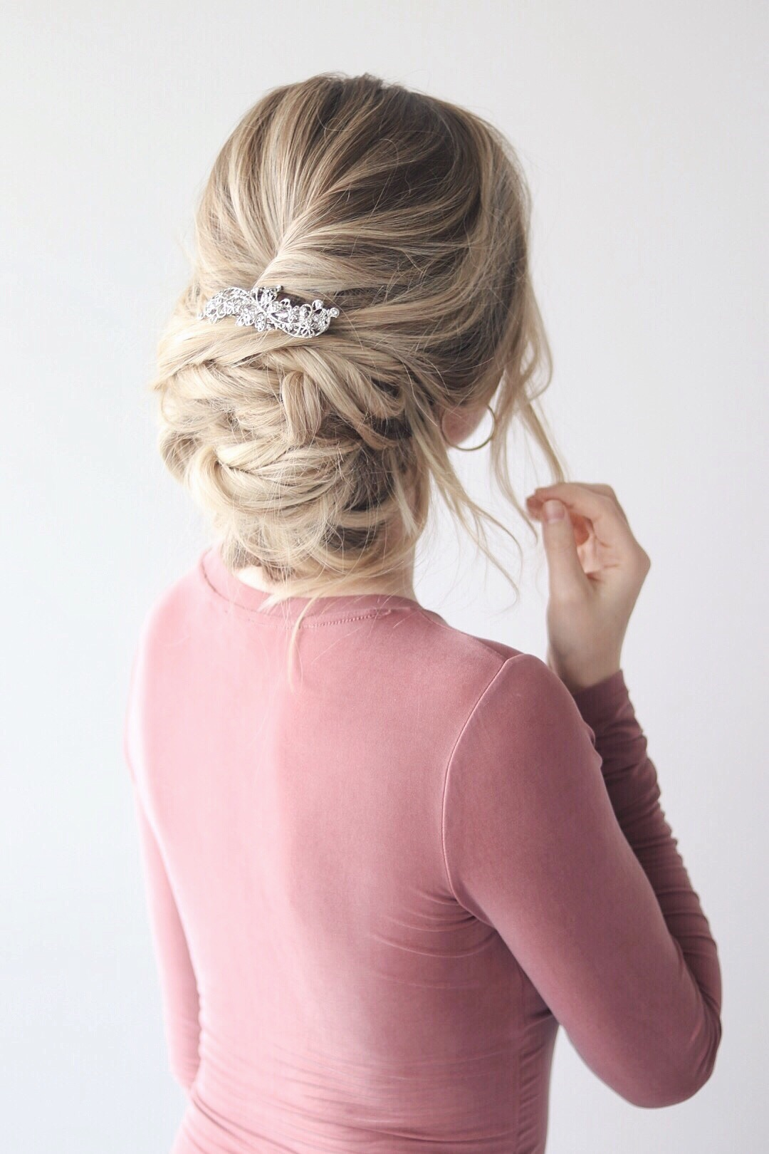 MESSY UP-DO HAIR TUTORIAL - Alex Gaboury