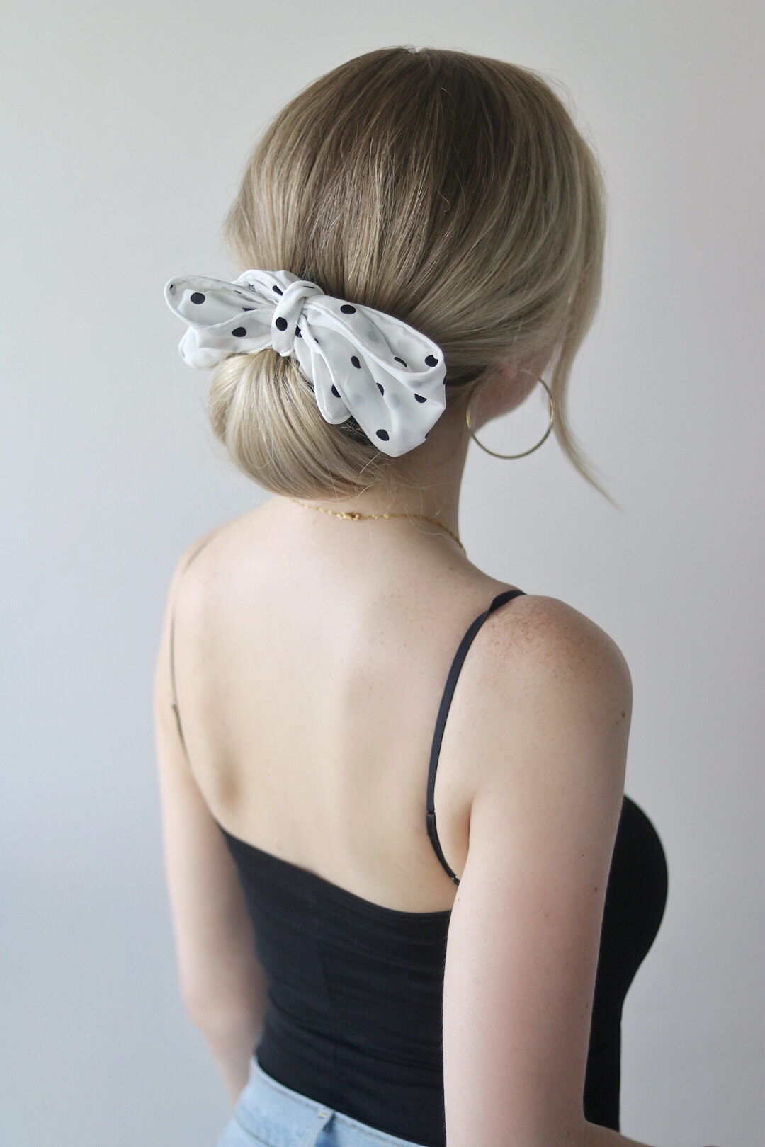 EASY SUMMER HAIRSTYLES WITH A SCARF, Alex Gaboury