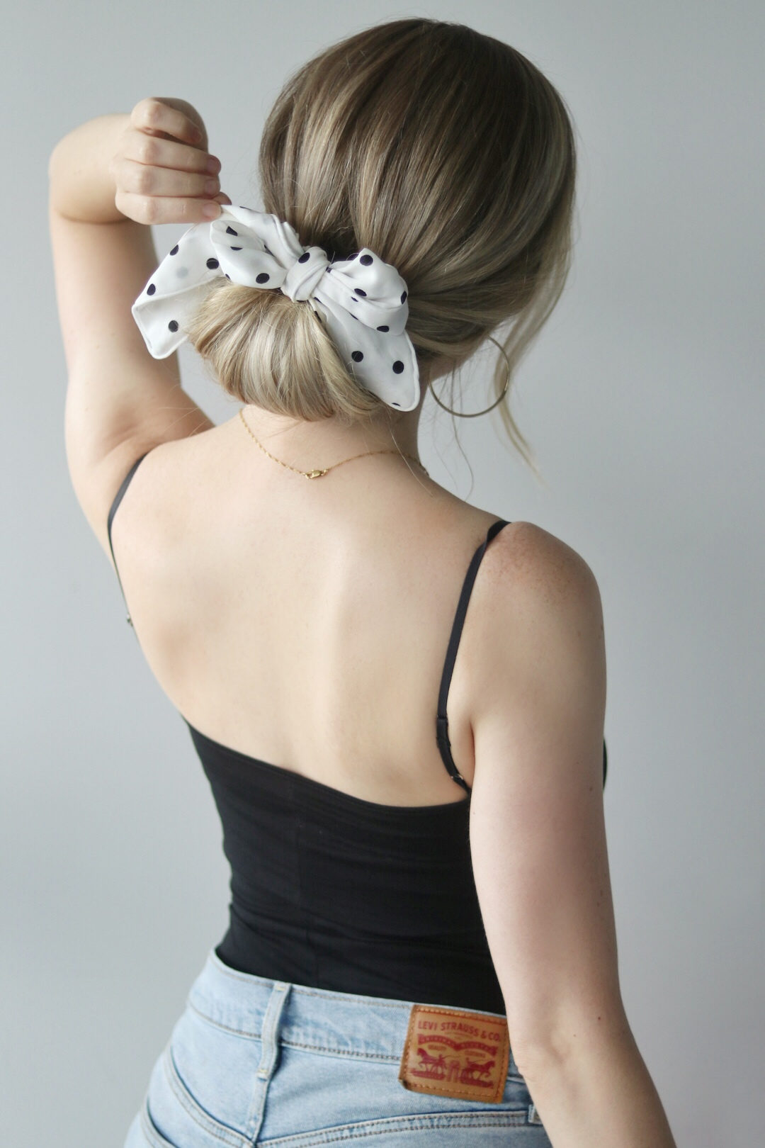 EASY HAIRSTYLES WITH A SCARF, Alex Gaboury
