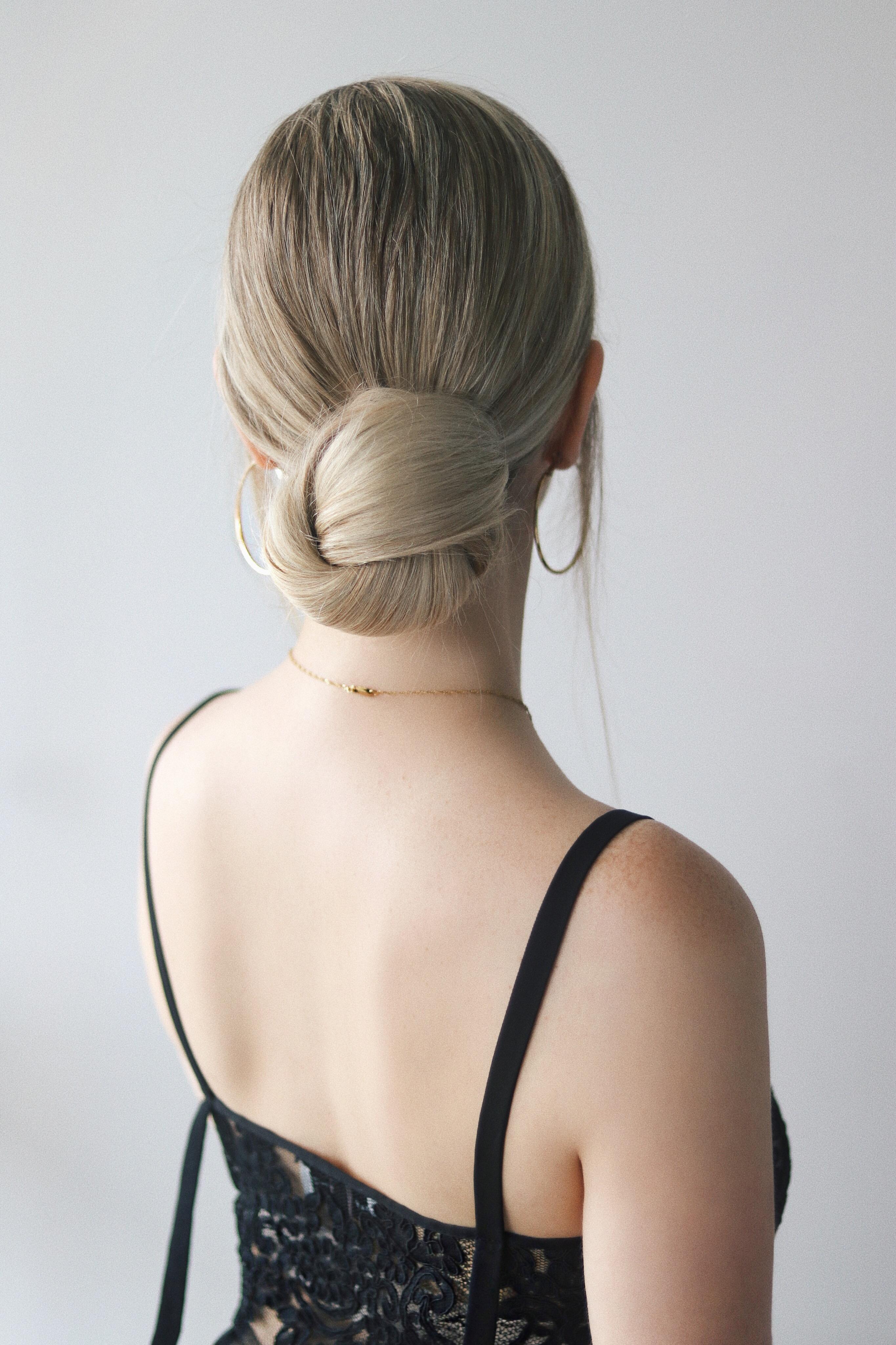 EASY Low Bun Hair Tutorial | www.alexgaboury.com