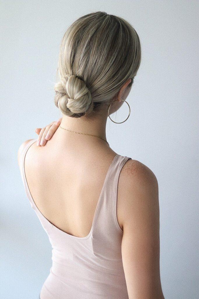 Easy Hairstyles, Easy Bun, www.alexgaboury.com