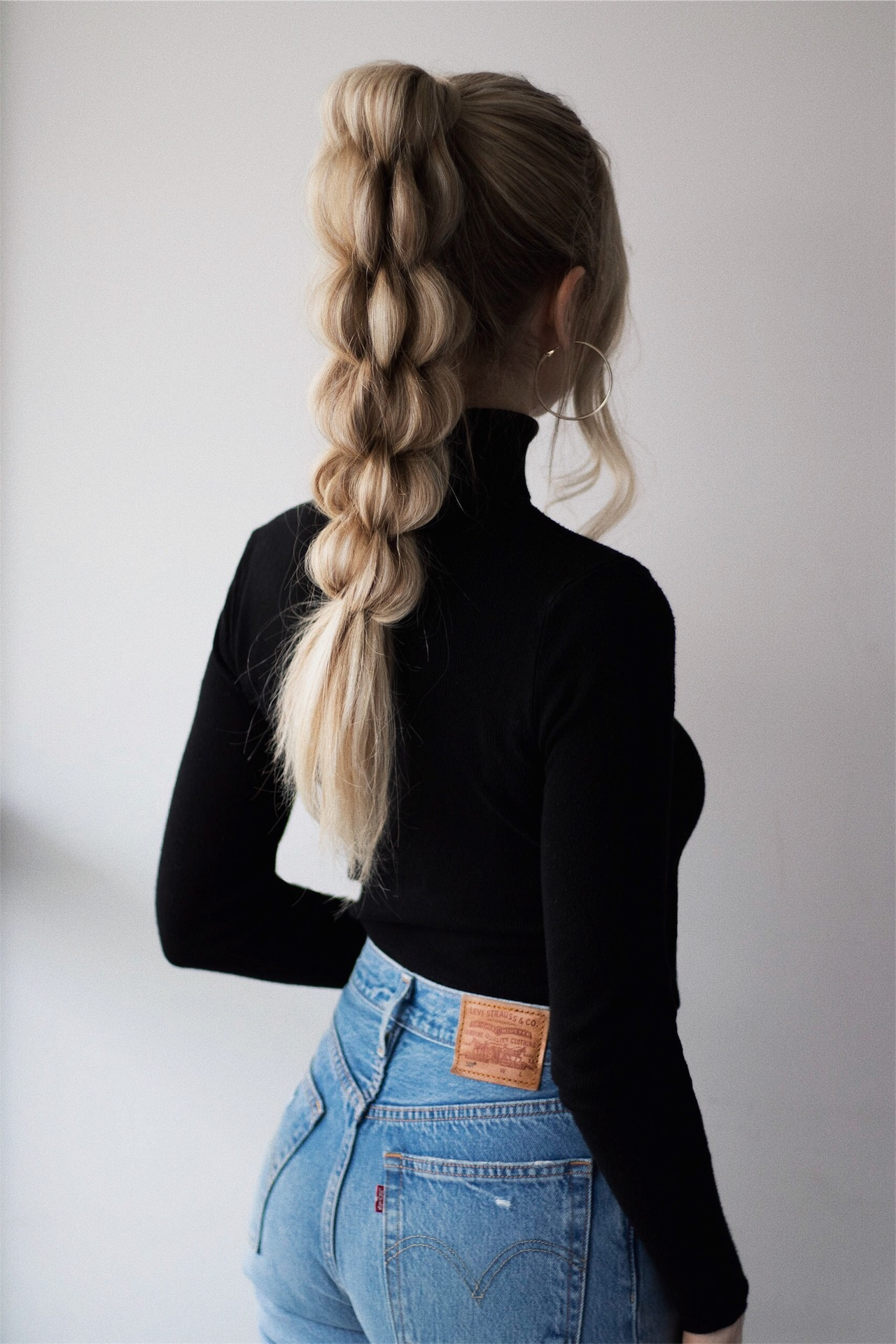 BRAIDED PONYTAIL HAIRSTYLE | www.alexgaboury.com