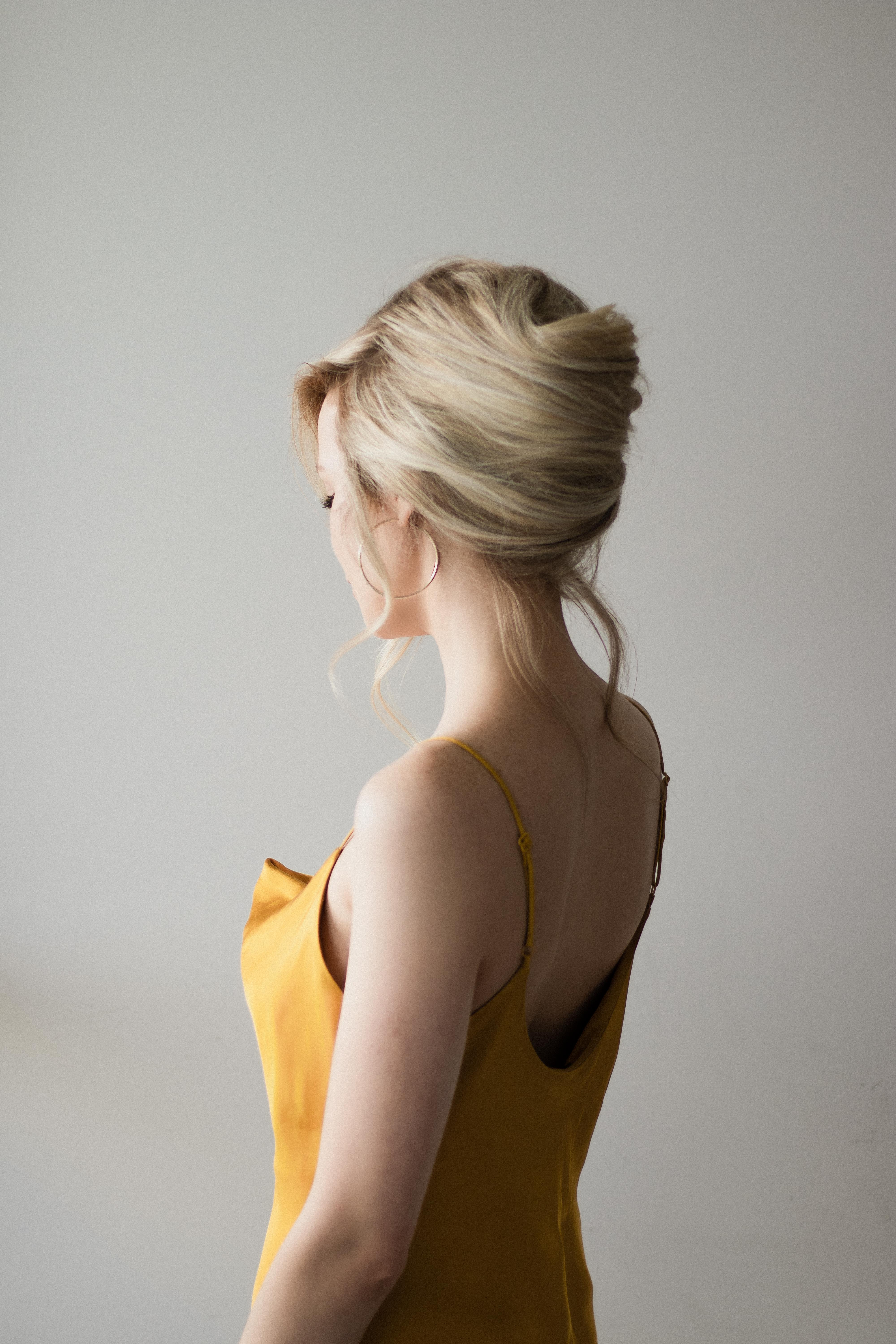 FRENCH ROLL HAIR TUTORIAL, THE PERFECT BRIDAL HAIRSTYLE | www.alexgaboury.com