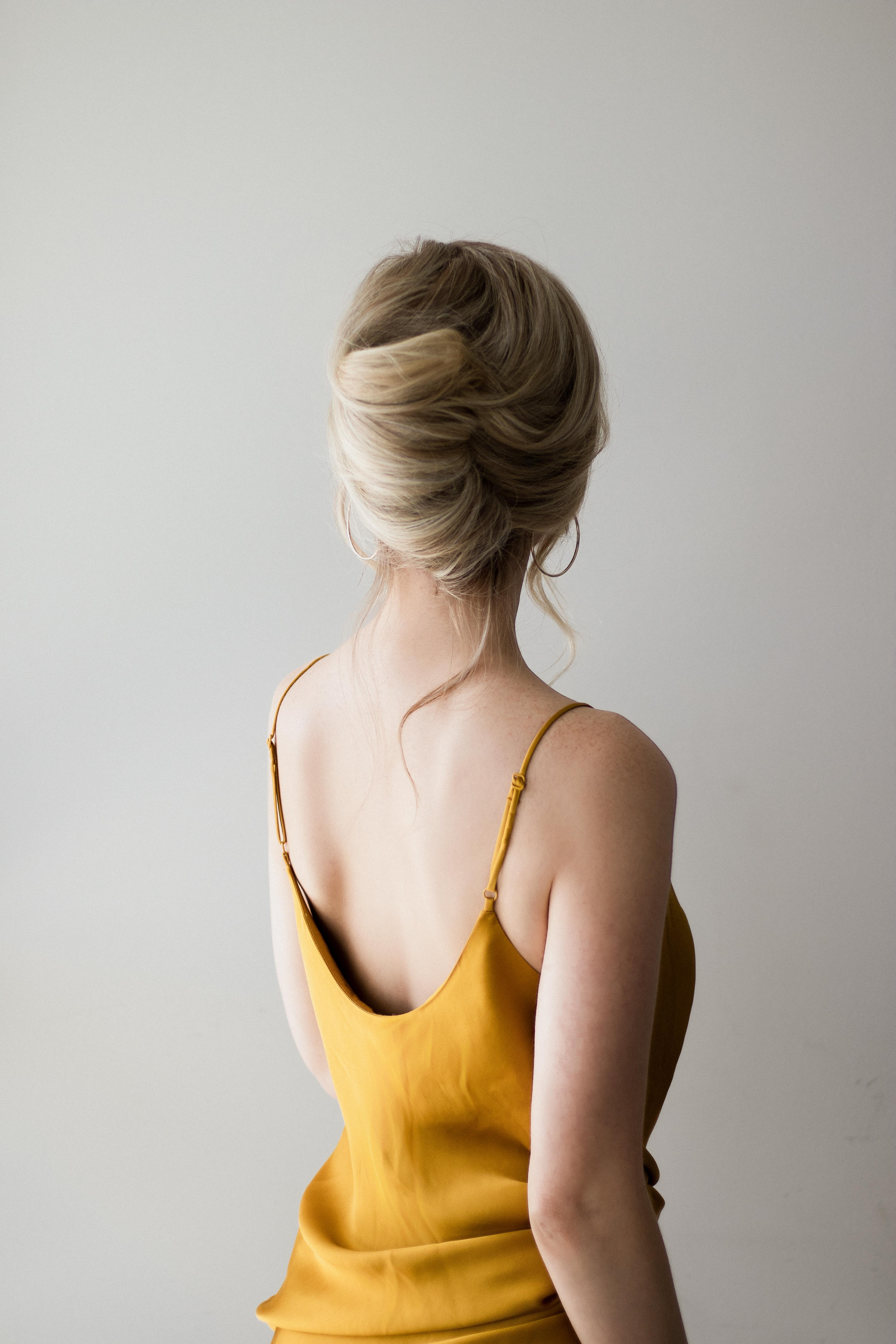 FRENCH TWIST HAIR TUTORIAL, THE PERFECT PROM HAIRSTYLE | www.alexgaboury.com