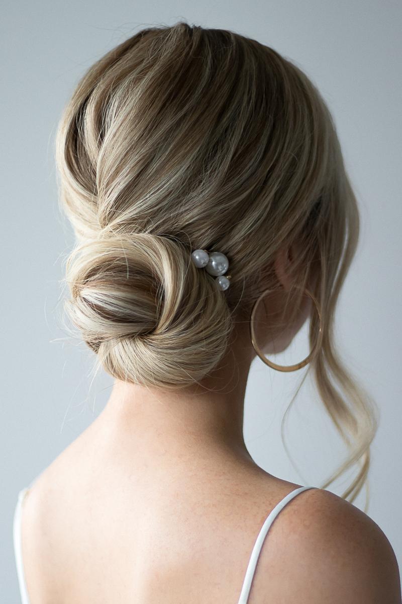 ELEGANT UPDO HAIR TUTORIAL | www.alexgaboury.com