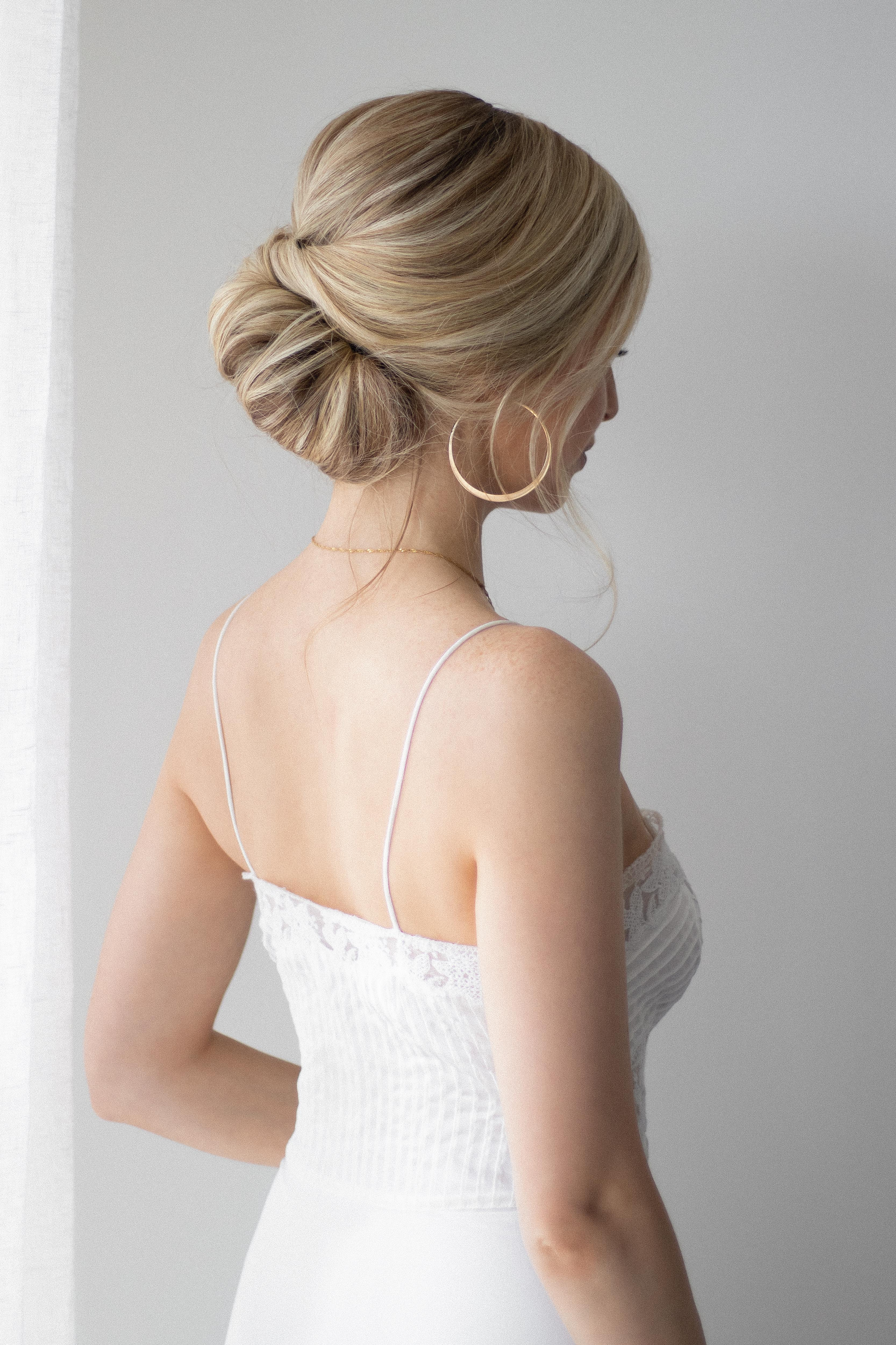 EASY UP DO HAIR TUTORIAL, THE PERFECT WEDDING HAIRSTYLE www.alexgaboury.com