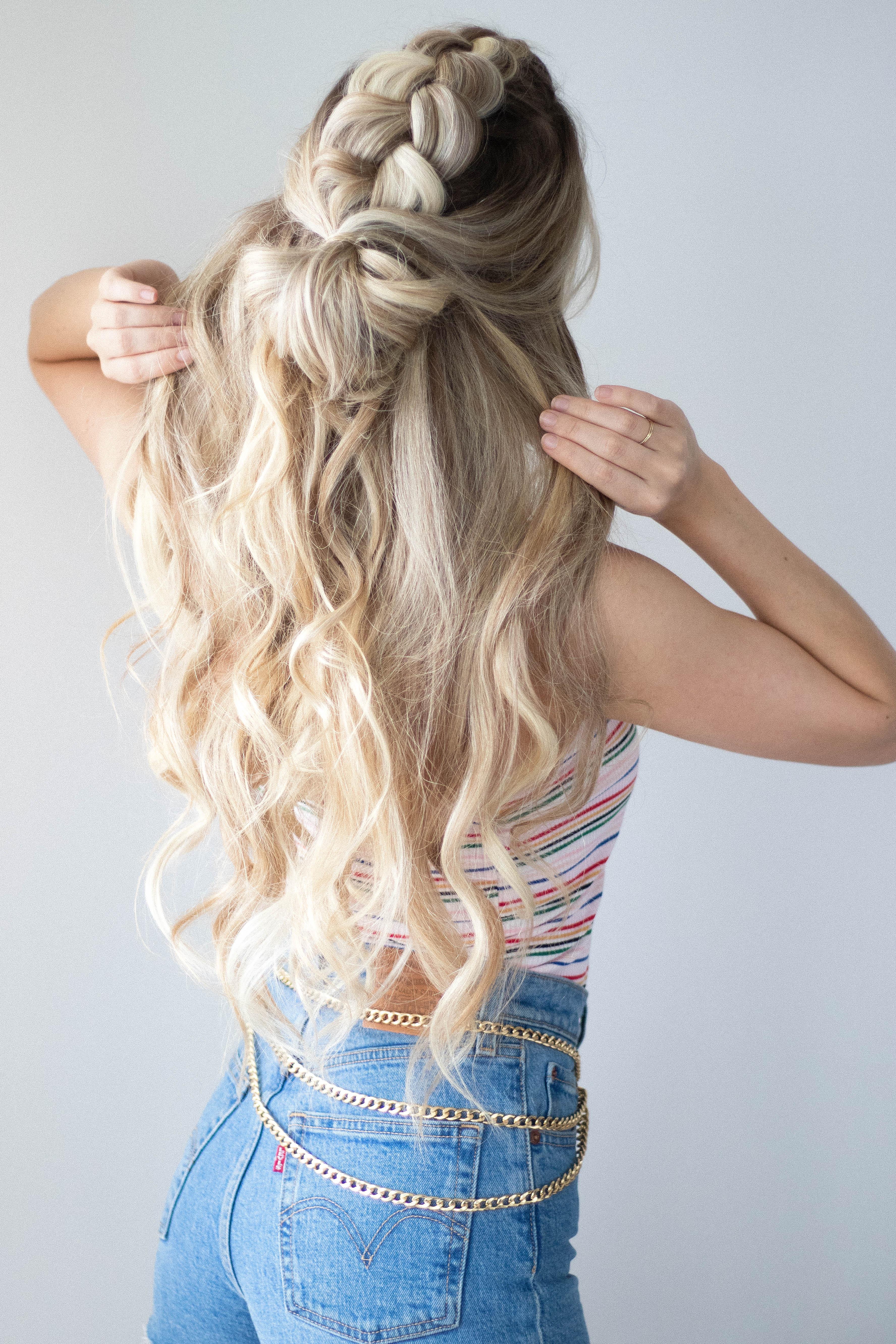 CUTE HALF UP HAIR TUTORIAL | www.alexgaboury.com