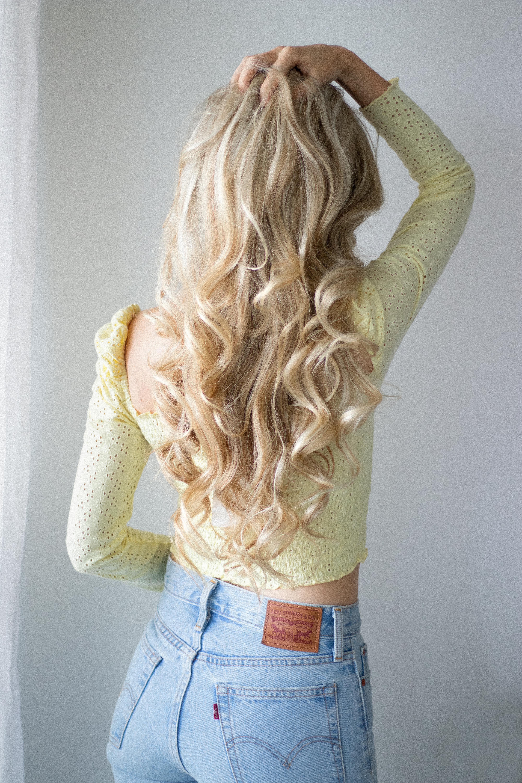 EASY EVERYDAY CURLS HAIR TUTORIAL | www.alexgaboury.com
