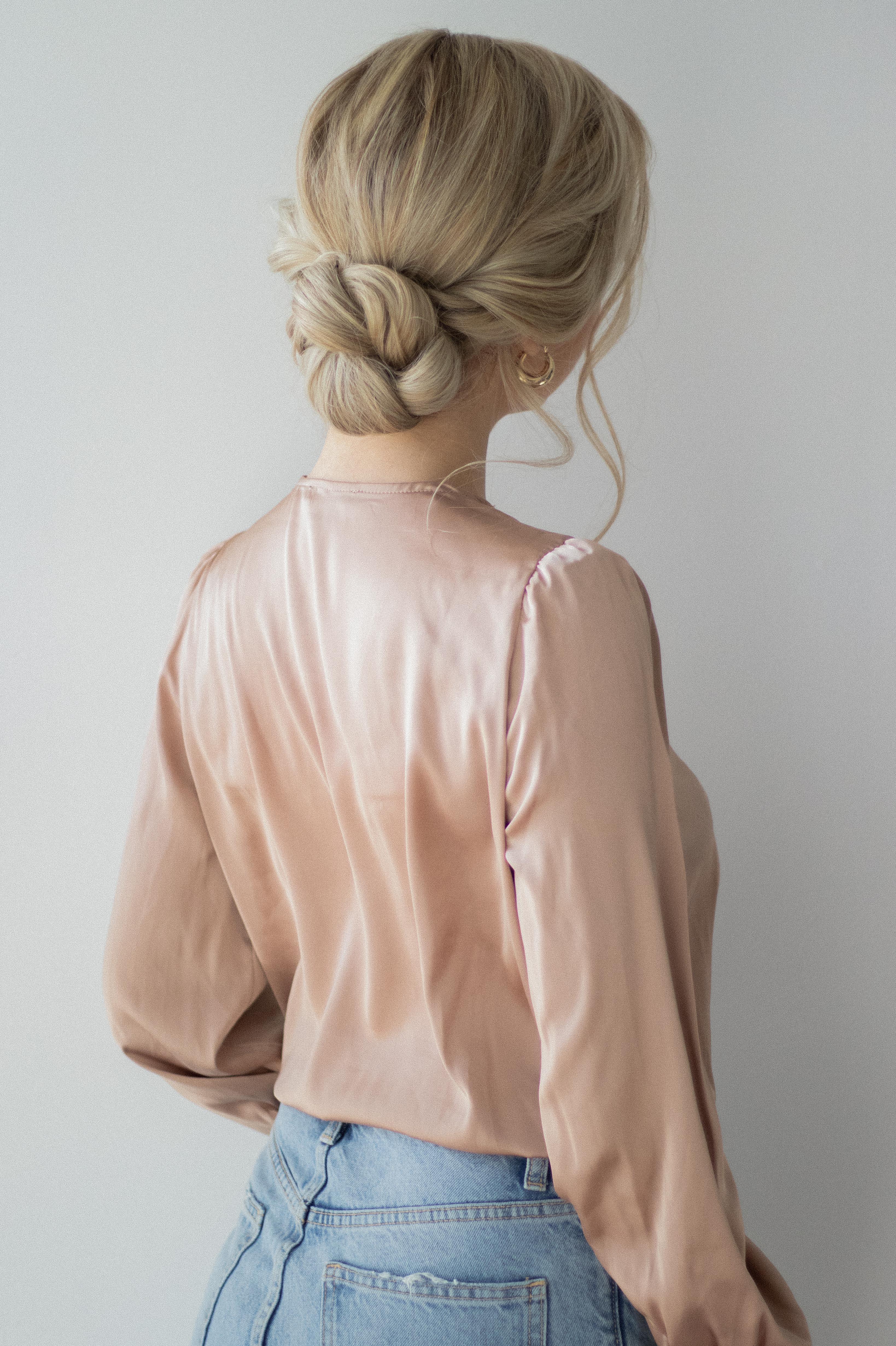 HOW TO: EASY UPDO Hair Tutorial | www.alexgaboury.com