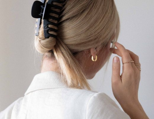 EASY CLAW CLIP HAIRSTYLE 2020 - Alex Gaboury