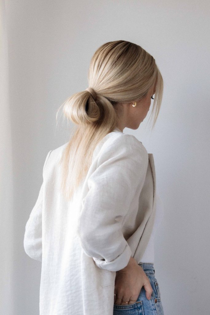 EASY MINIMAL LOW BUN HAIR TUTORIAL 2020 - Alex Gaboury