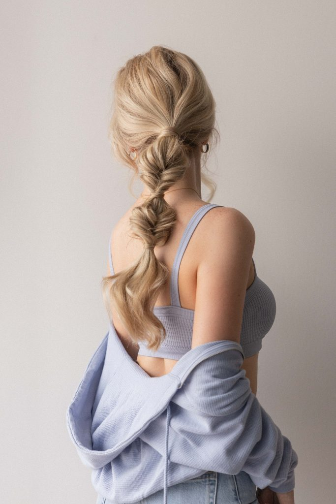 10 EASY BACK TO SCHOOL HAIRSTYLES + TUTORIALS 2021   TWISTED PONYTAIL